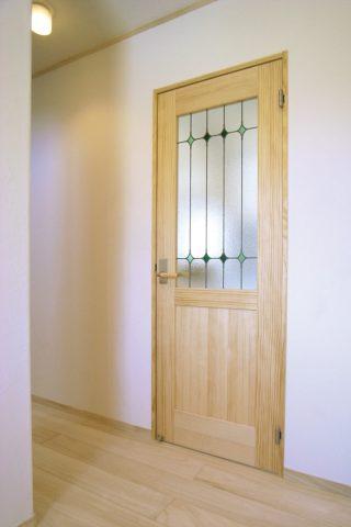 ドア - ナチュラルテイストな健康住宅 - 山田建築店