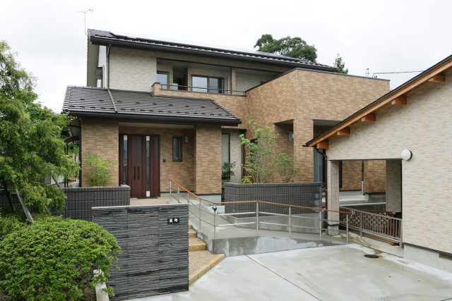 外観 - 2世帯バリアフリーの住まい - 山田建築店