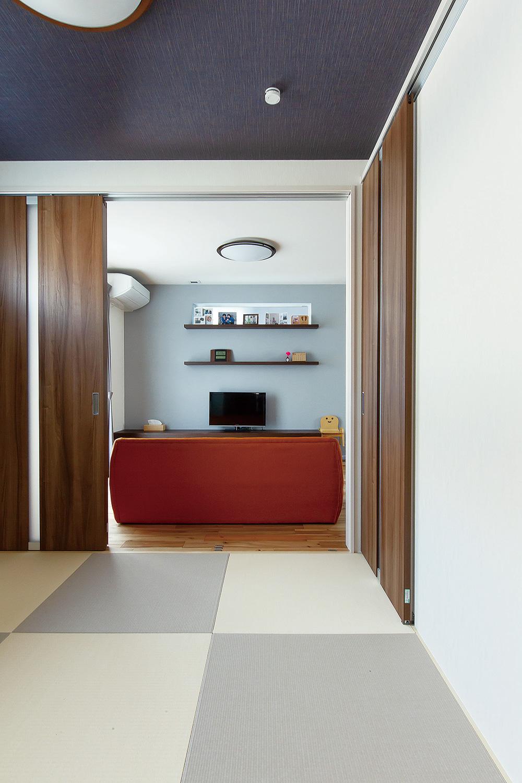畳コーナー - 家事がしやすい動線+ゆとりある収納でアパート暮らしの不便さを解消した家 - 山田建築店
