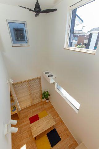 吹き抜け2階から - やさしい木の家 施工事例 - 山田建築店