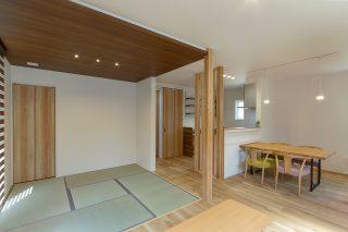 畳スペース - 使い勝手もインテリアも大満足!大人世代の理想を叶えた家 - 山田建築店