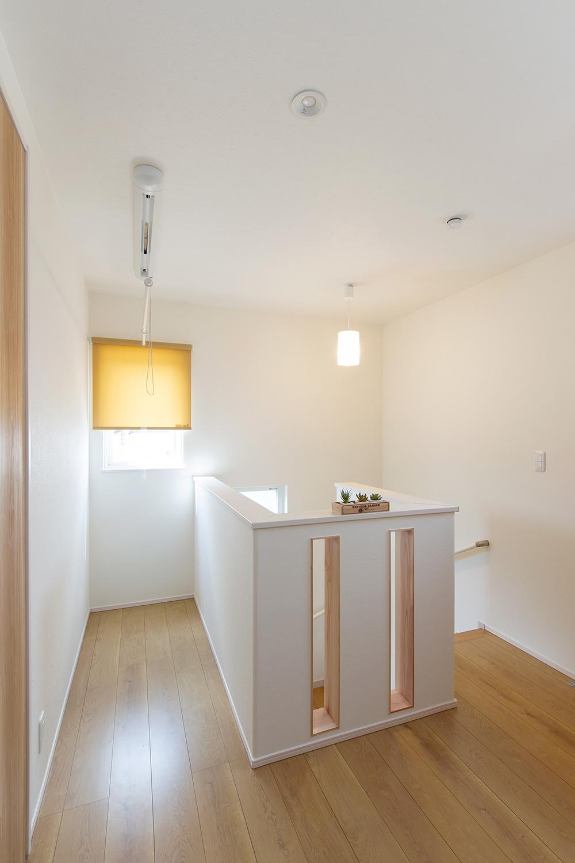 2階廊下 - 使い勝手もインテリアも大満足!大人世代の理想を叶えた家 - 山田建築店