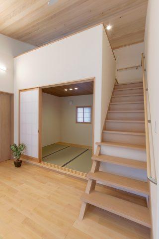 ロフト階段 - 施工事例 - 山田建築店