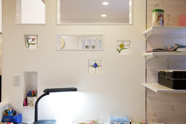 ステンドグラス - ステンドグラスが映える白い住まい - 山田建築店